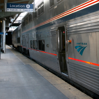 Amtrak train photo by Alexandra Bogdanovic